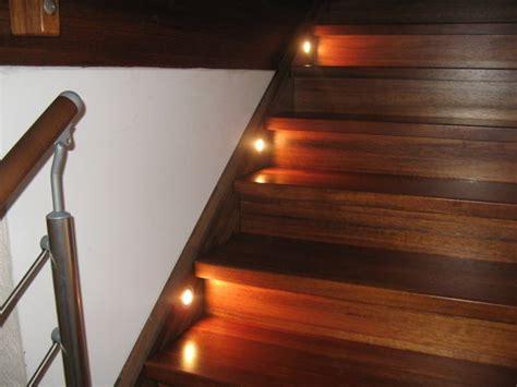 beleuchtung treppe beleuchtung der treppe mit einbauleuchten hausbau ein