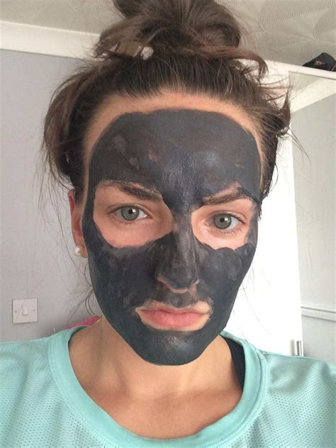 L Oreal Detox Mask Review by Why Everyone Needs To Try The L Oreal Clay Detox Mask