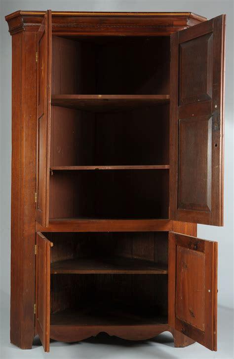 lot   tn cherry corner cupboard  tassel inlay