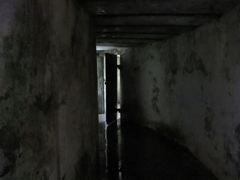 dark side haunted house 31 truly freaky haunted houses and halloween attractions