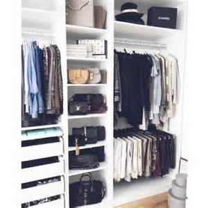 5 steps to cleaning out your closet for fall
