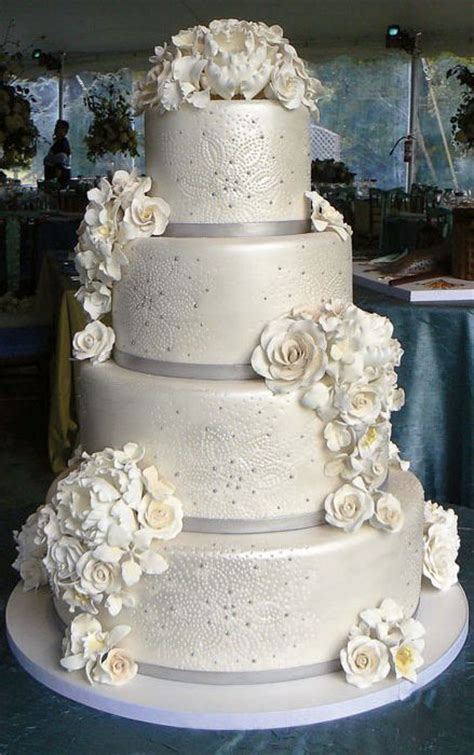 Search Wedding Cakes winter wedding cakes search goin to the chapel