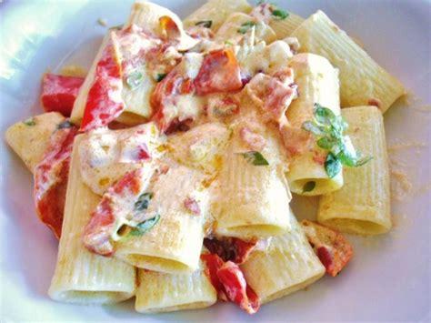 pasta con panna da cucina pasta pancetta peperoni e panna primadanoi it