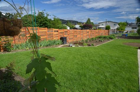 pallet wood fence wood fence outdoor wood pallets