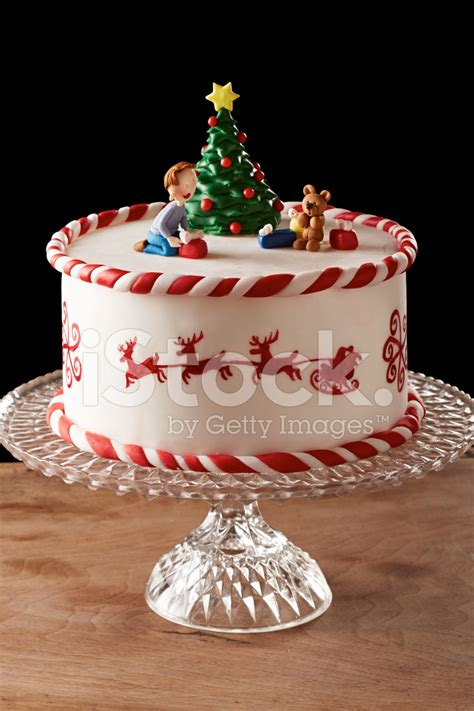 easy classy christmas tree from fondant fondant tree cake stock photos freeimages