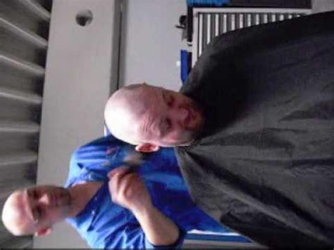 Glatze Polieren Videos 214 ler bekommt eine glatze nach verlorener wette 2 youtube