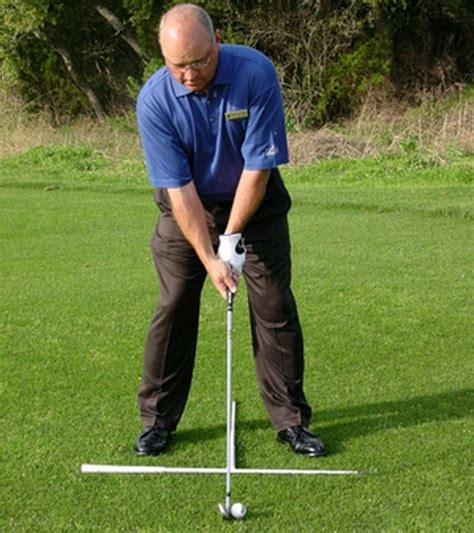 golf swing foot position correct golf ball position pictures to pin on pinterest