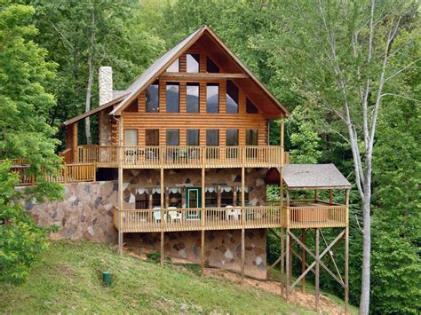 5 bedroom cabins in gatlinburg gatlinburg cabin in the mountains hillbilly vrbo