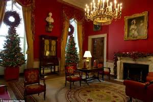 christmas decorations for inside the home michelle obama unveils record breaking white house