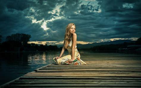 wallpaper of girl sitting alone girl alone sitting near lake hd girls 4k wallpapers