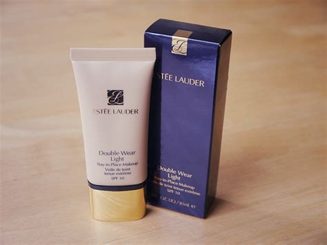 estee lauder double wear light review est 233 e lauder double wear light foundation