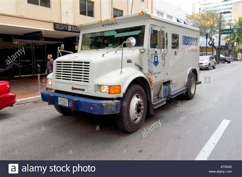 brinks armored trucks miami florida brinks armored truck picks up