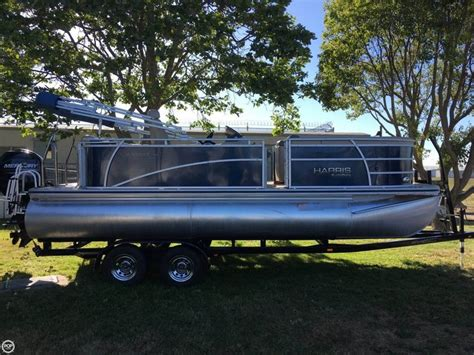 best pontoon boats to buy best 25 pontoon boats for sale ideas on pinterest used