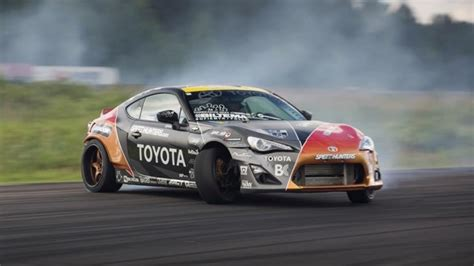Toyota Gt86 Drift Drifting Toyota Gt 86 In Opposite Lock Looks Awesome
