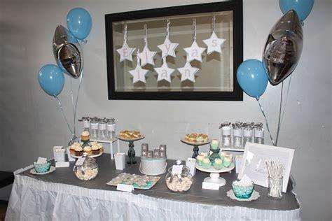 Charmant Decoration Pour Communion #4: sweet-table-thème-étoiles-gris-beu.jpg
