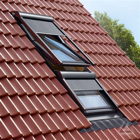 velux sonnenschutz markise velux markise mmg elektrisch f 252 r lichtband im dachgewerk
