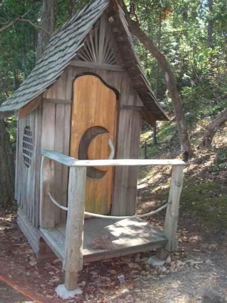 outhouse plans  ideas   homestead diy