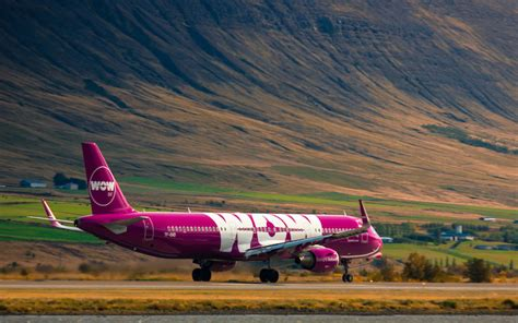 wow air offering cheap flights to iceland this fall and winter
