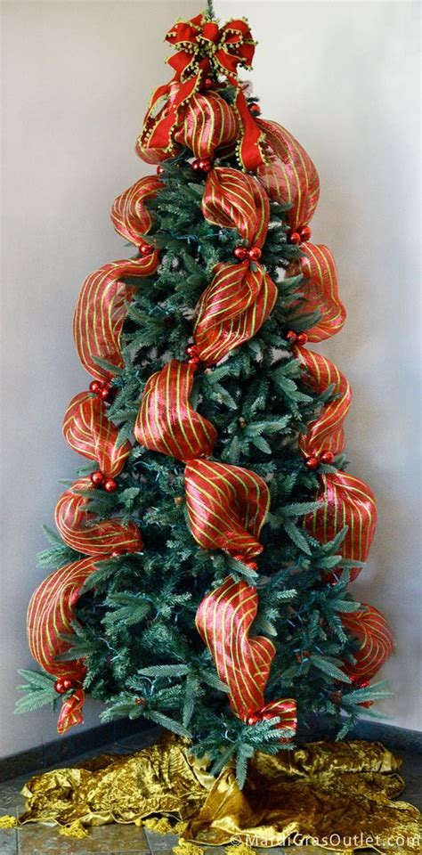 utube how to wrap ribbon around the tree best 25 mesh tree ideas on deco mesh wreaths diy tomatoe cage