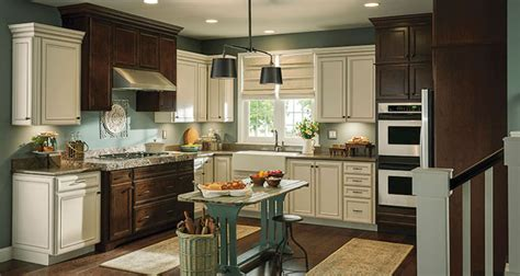 Kitchen Cabinet Features Cool Kitchen Features Parr Cabinet Design Center