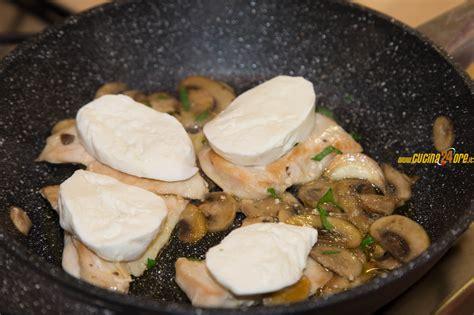 come cucinare petto pollo come cucinare un petto di pollo morbido e gustoso petto