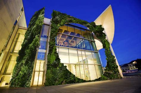 moderne architektur haeuser die sich mit der natur vereinigen