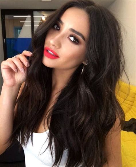 shay fox new haircut 25 best ideas about shay mitchell hair on pinterest