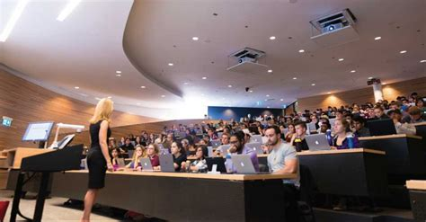 Time Mba Toronto by The Fastest Toronto Mba Program You Can Find Metromba