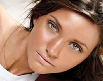 Lipstik Gradasi tips memilih warna lipstik sesuai warna kulit