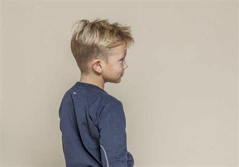 coole frisuren fuer kleine jungs und haarschnitte im trend
