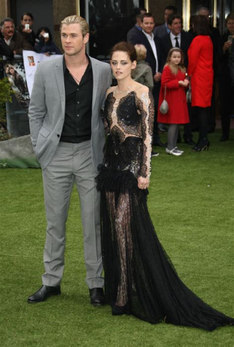 Who Wore Marchesa Better Morrison Or Snow by Kristen Stewart Wears A Rob Pattinson Suit Who Wore It