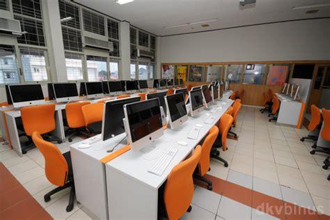 Meja Lab Komputer Desain Komunikasi Visual Dkv New Media Facilities