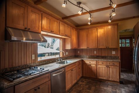 Kitchen With Maple Cabinets by Maple Kitchen Cabinets Kitchen Traditional With Board And