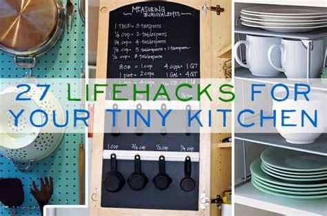 Tiny Bathroom Hacks Buzzfeed Small Apartment Hacks Small Apartment Decorating Ideas