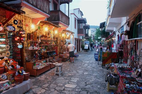 capitola village shopping dining activities find kalkan shopping restaurants activities and services