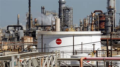 exxon mobil nigeria exxonmobil workers begin warning strike nigeria