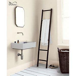 Dulux Bathroom Paint Uk Dulux Bathroom Emulsion Paint White 2 5l Home