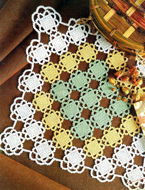 Carpeta Cuadrada Tricolor Tejida En Crochet Patrones En Crochet | tejidos artesanales carpeta cuadrada tricolor tejida en