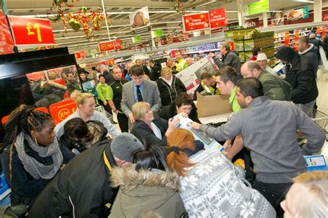 haircut deals manchester city centre black friday 2014 manchester shops prepare for busiest