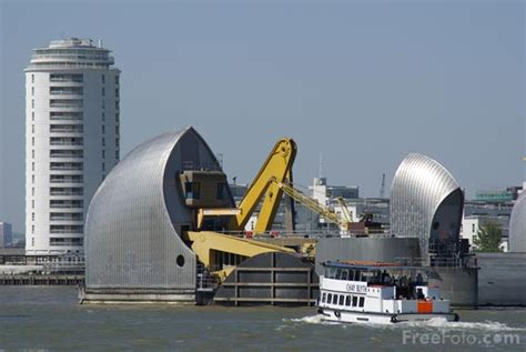 thames barrier used the thames barrier pictures free use image 31 69 48 by