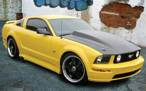 Custom12 Ford Mustang ford mustang 2005 2013 thunderform custom subwoofer enclosure mtx audio serious about sound 174