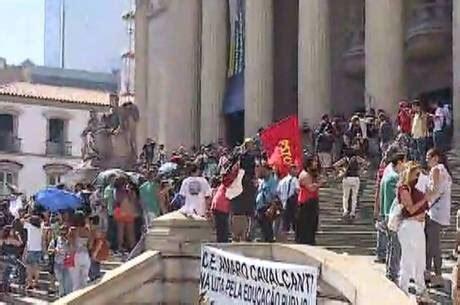 bonus para os professores da rede estadual 2016 professores da rede estadual mant 234 m greve e protestam na