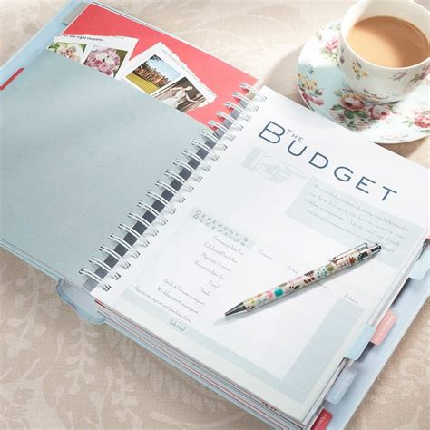 Budget Planner Books Do You Need A Wedding Planner Bridal Budget