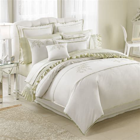 nicole miller comforter bedding for the b in the apartment from the beddingstyle blog