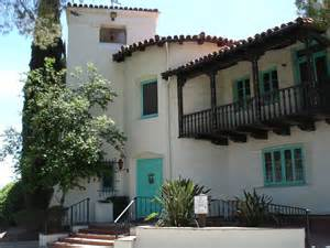 spanish colonial homes spanish colonial revival architecture characteristics