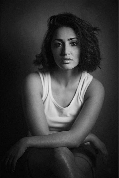 Yami Gautam Stylish Photoshoot - Latest Movie Updates