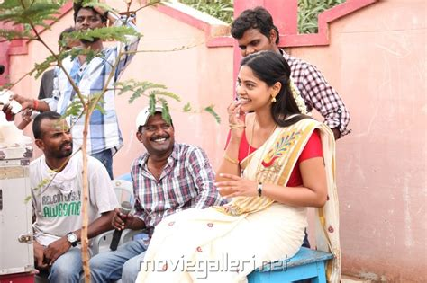 watch varutha padatha valibar sangam full movie online mp3 varuthapadatha valibar sangam gallery bed mattress sale