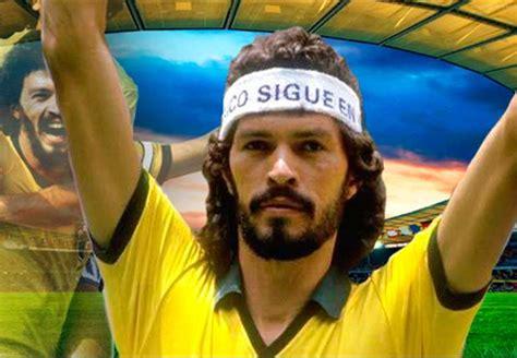 libro doctor socrates footballer philosopher footballer artist icon and activist a tribute to brazil legend socrates 1954 2011 goal com