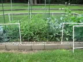 Vertical Garden Fence - chicken wire fence ideas fence garden diy vertical garden on fence diy garden fence panels diy