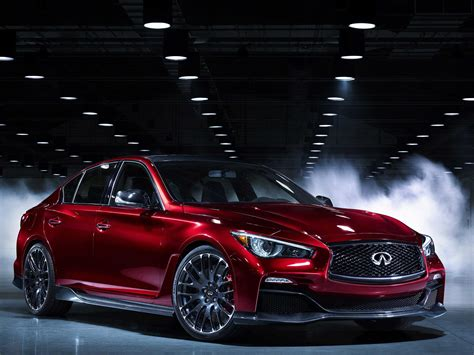 infiniti reveals  engine    performance car